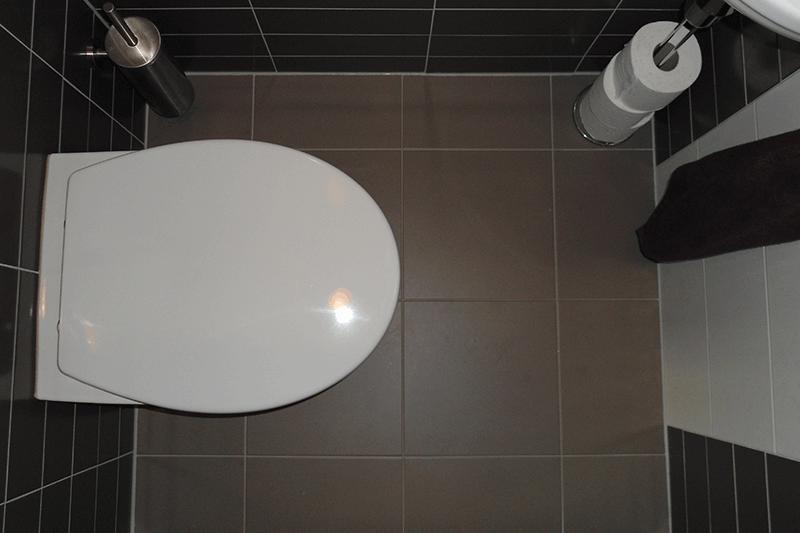 Pin het betegelen van een badkamer on pinterest - Betegelen van natuurstenen badkamer ...